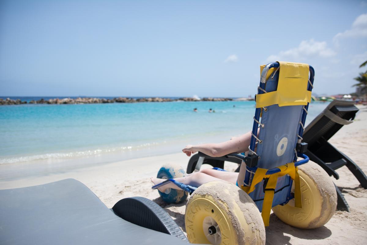 Strandrollstuhl in der Karibik