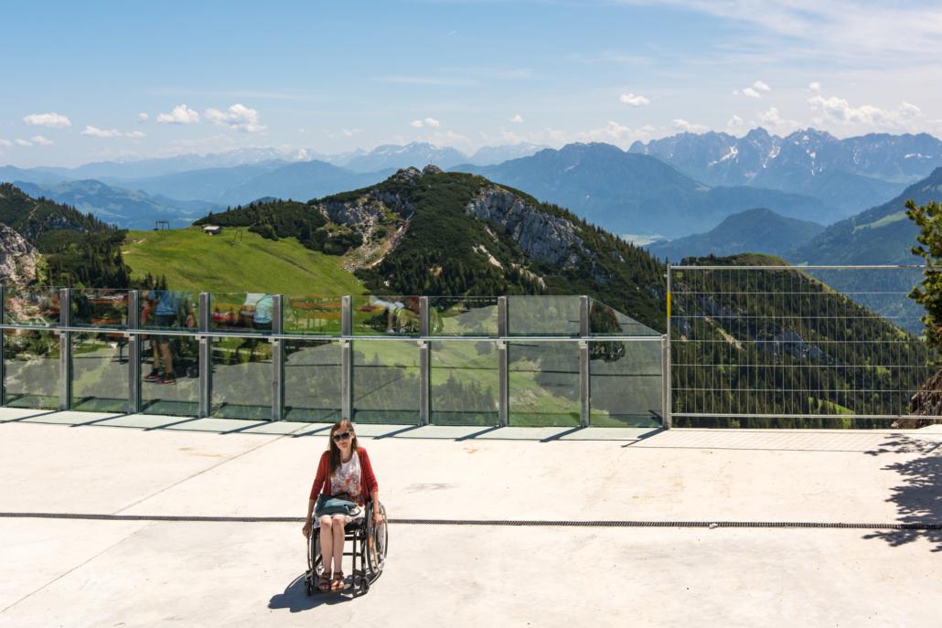 Rollstuhlfahrerin auf Wendelstein