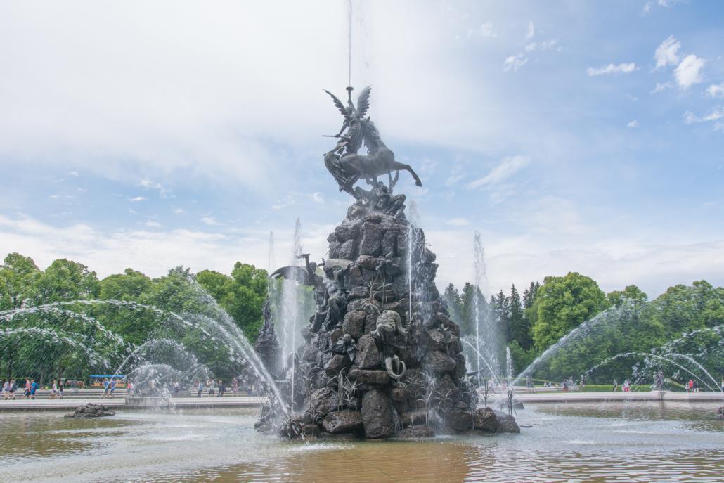 Brunnen vor Schloss Herrenchiemsee