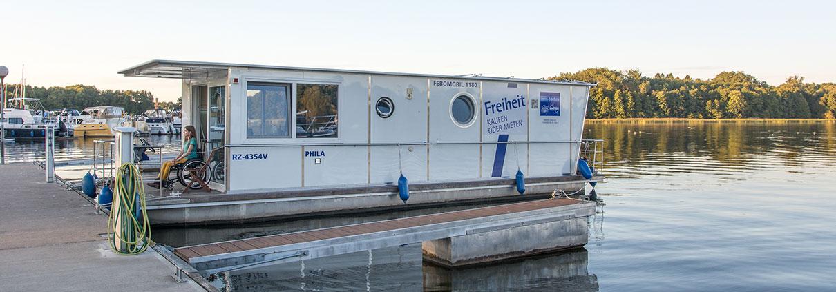 Hausboot am Fürstenberger Stadtanleger